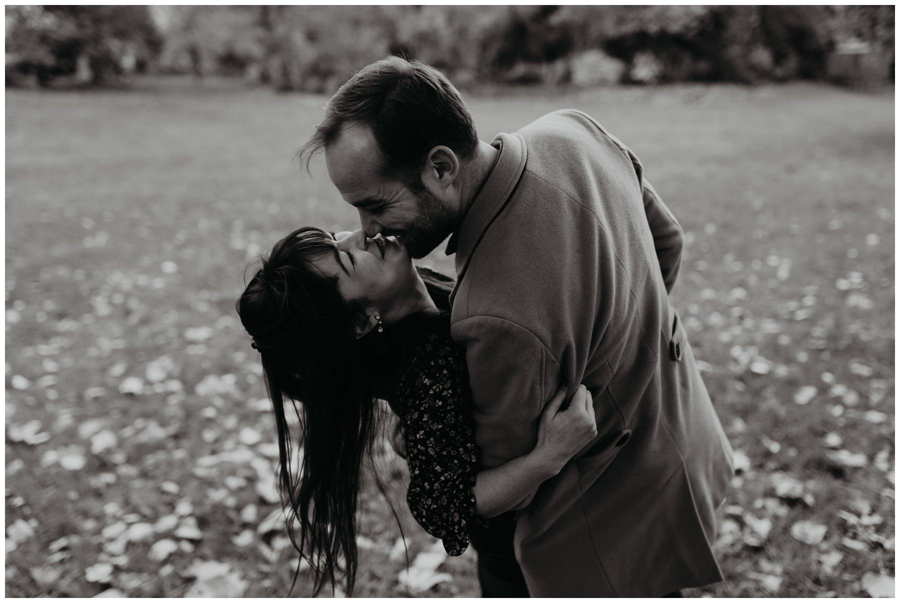 amoureux couple paris